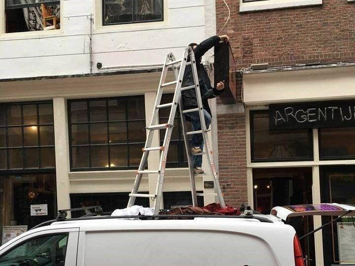 auto op ladder: Het gevaar van een bedrijfsongeval zit in een klein hoekje