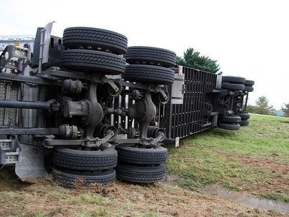 omgevallen vrachtauto en Aansprakelijkheid verkeersongeval