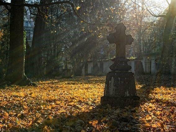 kerkhof en Overlijden en letselschade