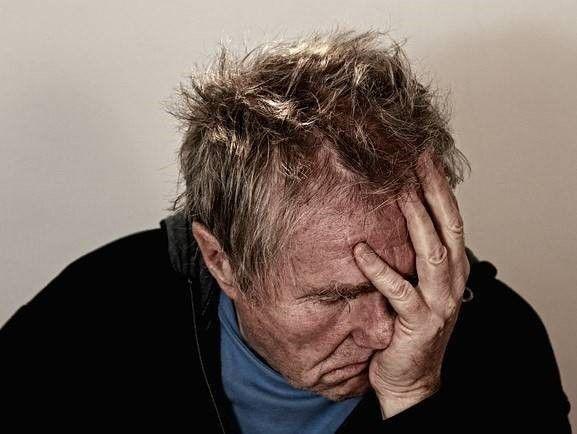 Man met hoofdpijn PTSS