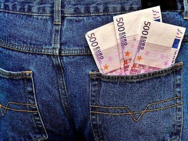 Broekzak met geld