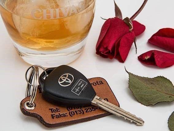 autosleutel, rijden onder invloed. Letselschade door dronken bestuurder