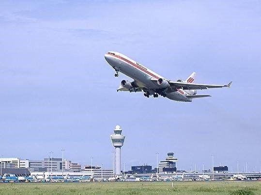 Vliegtuig en Bedrijfsongeval op Schiphol