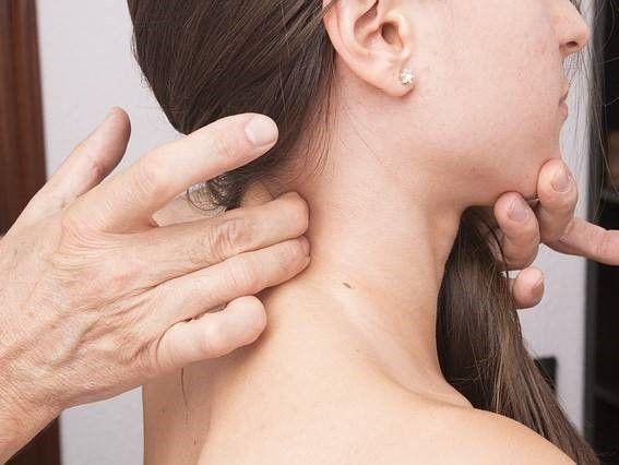 nekmassage bij een whiplash, hoe krijgt u uw schade vergoed?