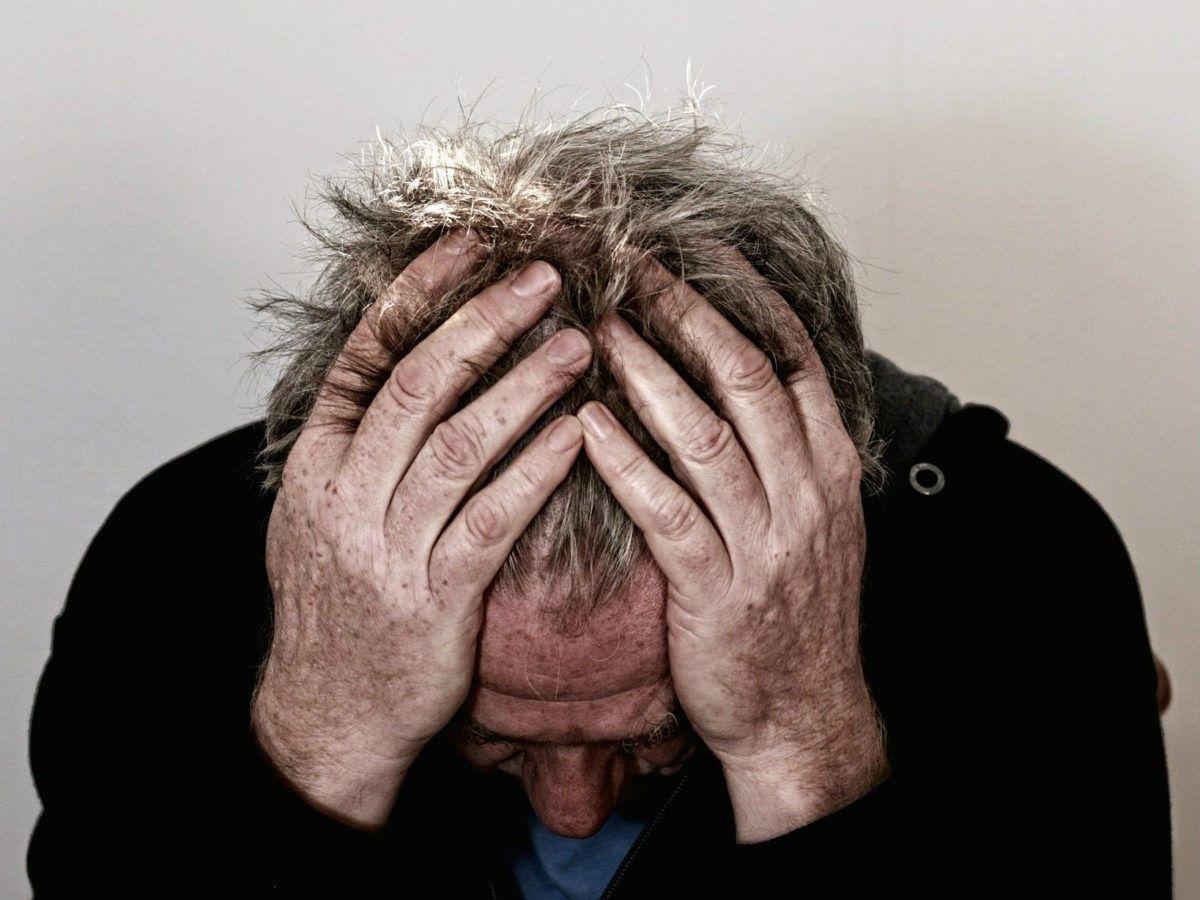 U zit met uw handen in het haar. U bent aangereden, maar de dader is doorgereden. Kunt u een schadevergoeding claimen zonder gegevens van de dader?