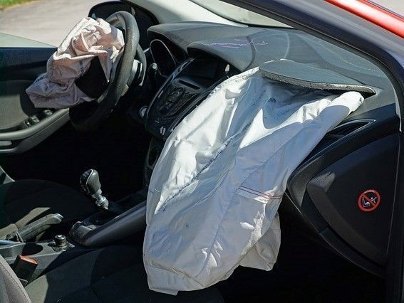 airbag ongeval met whipash